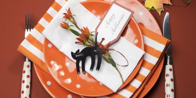 Halloween themed table setting